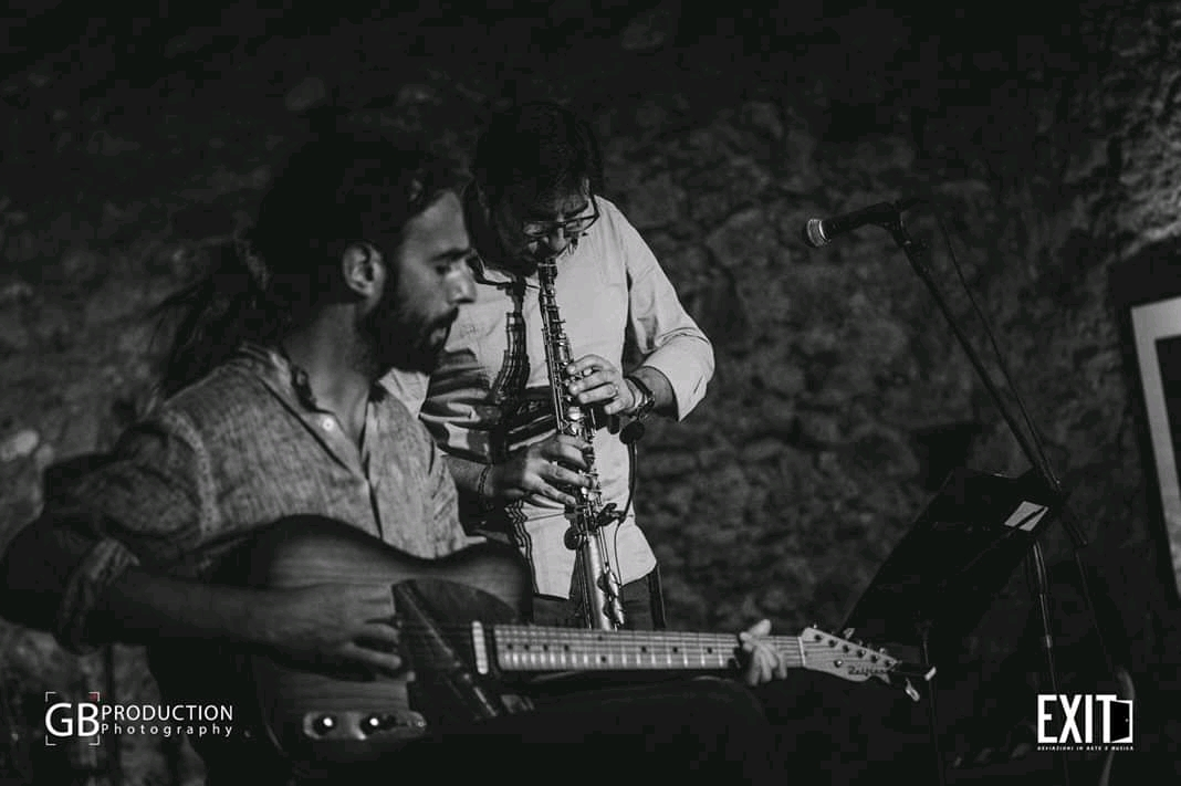 I Thàlassa Mas feat. Esharef Alì Mhagag